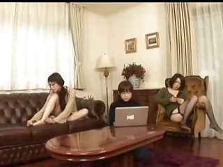 JP Lez (4 lesbians in a sharehouse means sexual fun)1-2