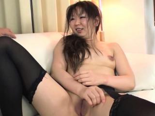 Succulent mature idol Morita Kurumi caresses gap